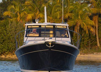 Mainship 32 running in Miami, FL.