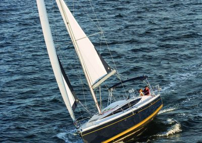 Hunter 37 sailing in Biscayne Bay, Miami FL.