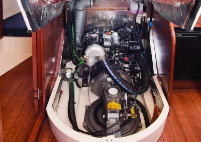 MH33_interior-H03