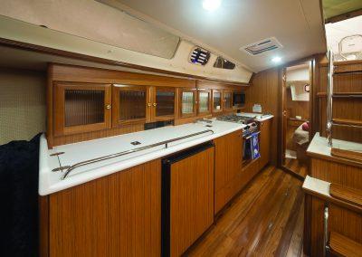MH42ss_interior-h01