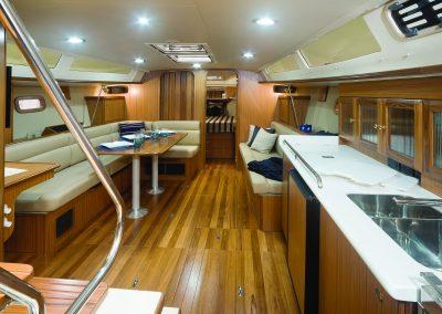 MH42ss_interior-h03