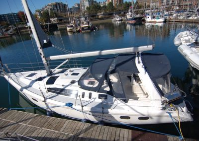 Hunter 380 – SOLD