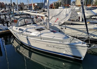 2009 Hunter 33 -SOLD